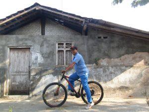 Bapak dan Sepeda Barunya