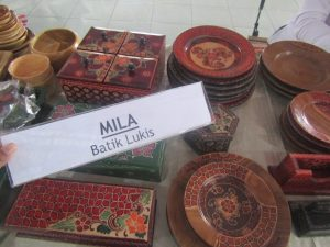 Inovasi Batik Kayu Khas Desa Wisata Krebet yang Dipamerkan di Acara Gelar Produk Craft & Fashion Istimewa