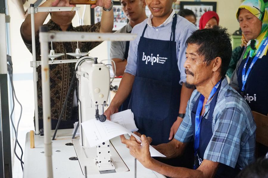 Kusta dan Peluang Iklim Ekonomi Kreatif di Indonesia (Sumber: bpipi.kemenperin.go.id)